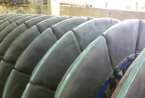 铜陵某公司铜尾矿陶瓷过滤机现场使用图